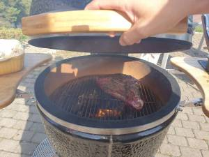 Grilling på Kamadogrillen